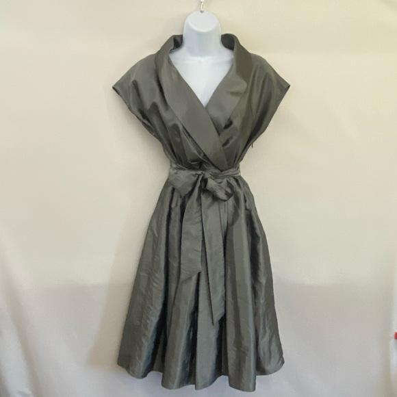 Jones Wear Dress Silver MIDI Dress Size 8 L-64
